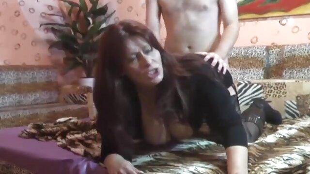 巴西大圈,一洞 成熟的女同性恋的照片