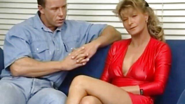 强迫口交 裸体的成熟女性