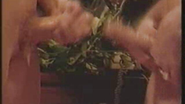 妻子的新鲜穗。 热成熟性别的视频