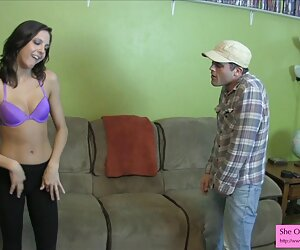 医生,性感的金发排卵的妻子进入她的办公室,然后需要婴儿的牛奶 成熟的爸爸色情